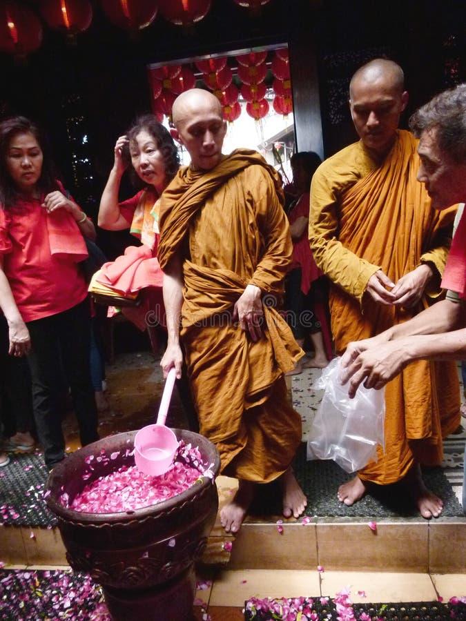 Buddistisk religiös ceremoni fotografering för bildbyråer