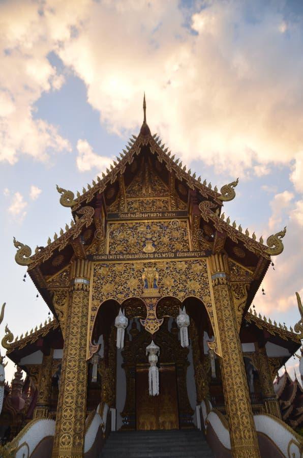 Buddistisk tempel i Chaing Mai, Thailand arkivfoto