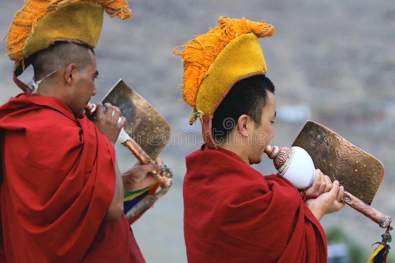 buddistiska ceremonimonks arkivbild