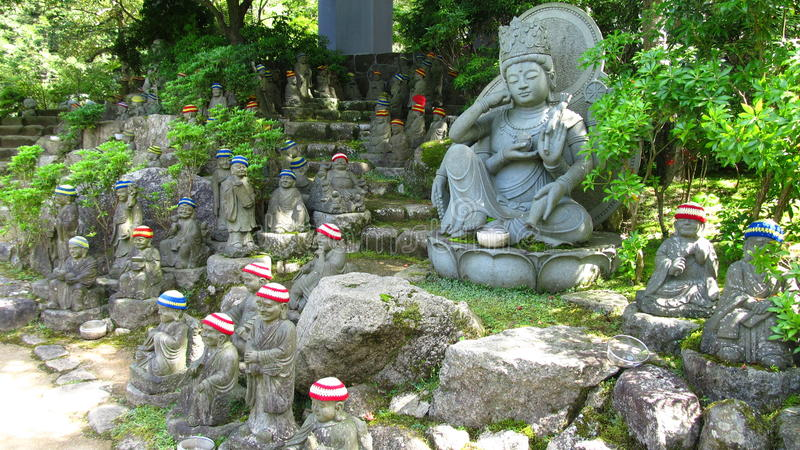 Buddistiska skulpturer royaltyfria foton