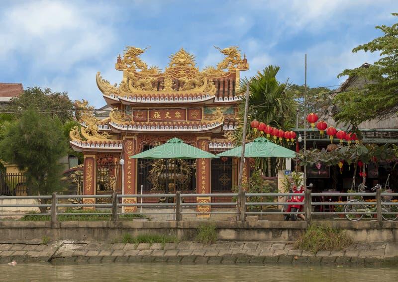Buddyjska świątynia na brzeg Thu bonu rzeka, Hoi, Wietnam zdjęcia royalty free