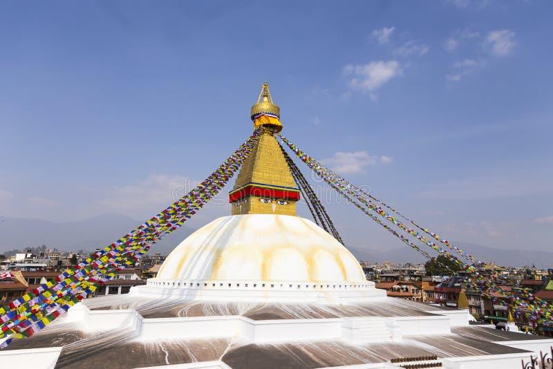 Buddyjska stupa Boudhanath i Kathmandu dachy zdjęcia stock