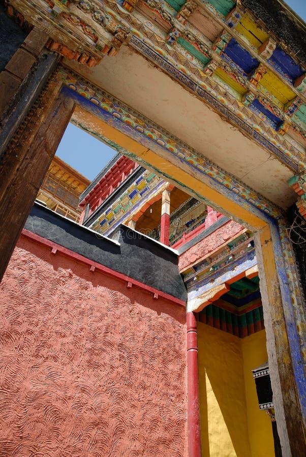 Buddyjski monaster od podwórza zdjęcie stock