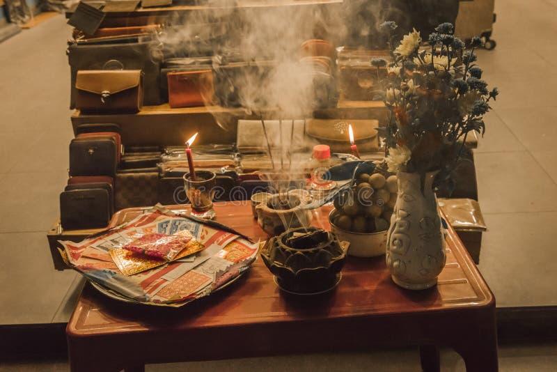Buddyjski ofiara stół w Hoi, Wietnam obraz stock