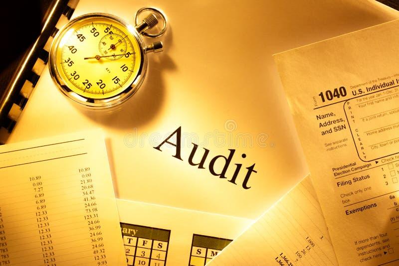 Budget, calendrier, chronomètre et audit photographie stock
