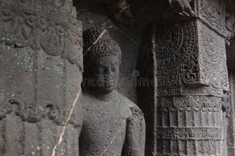 Budha innehavblomma fotografering för bildbyråer