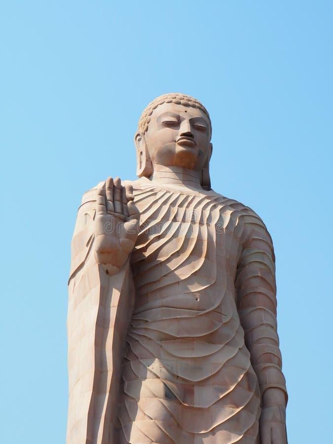 Budhastandbeeld stock foto