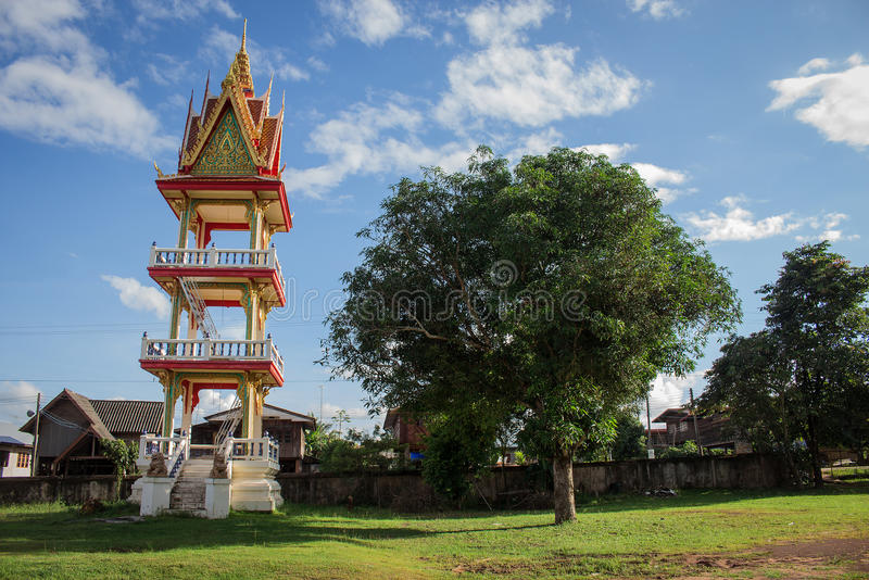 Budista del campanario imagenes de archivo