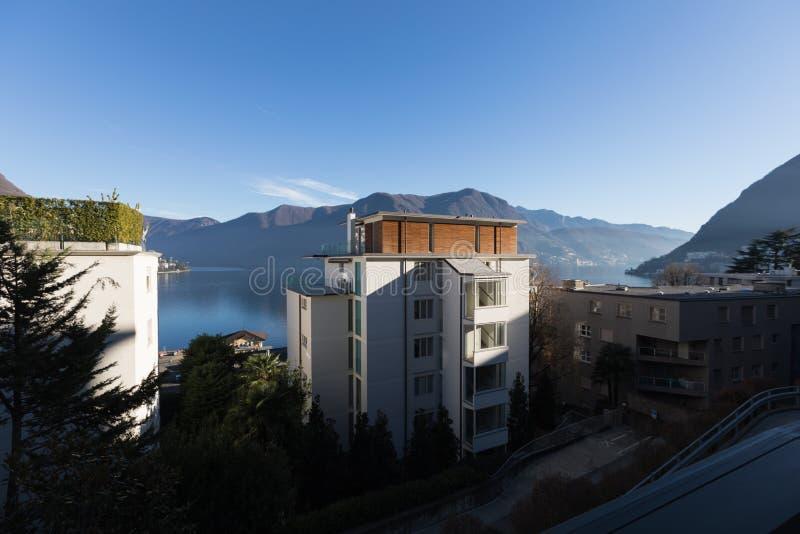 Budować na Lugano jeziorze zdjęcie stock