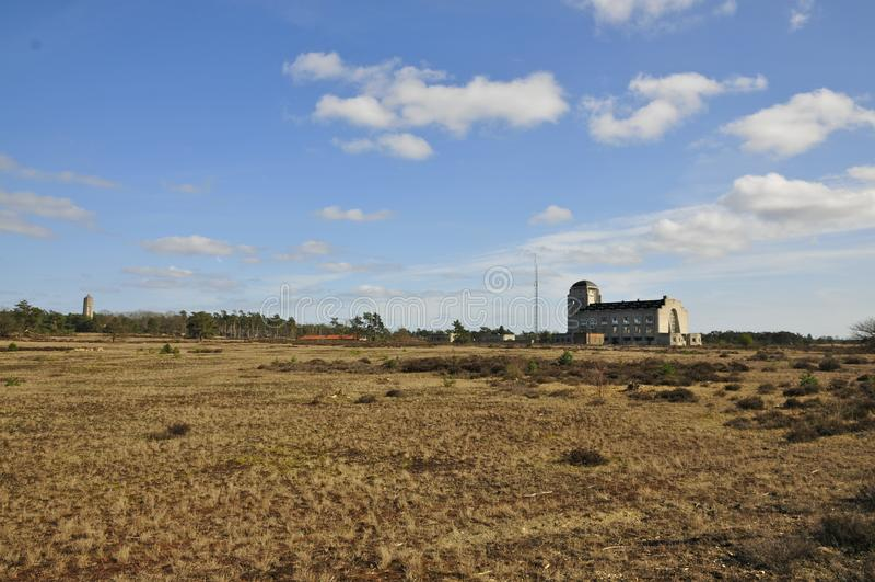 Budować A radio Kootwijk w De Veluwe Wrzosowisko ziemi holandie obrazy stock