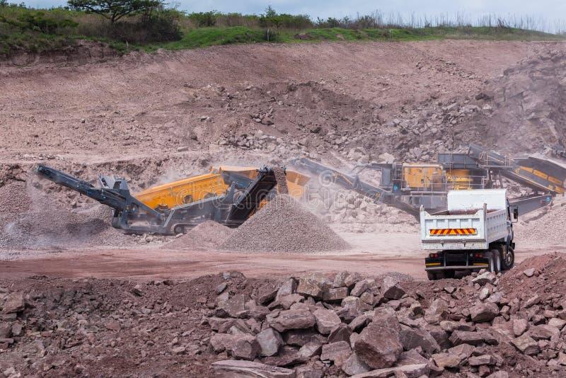 Budowa łupu ciężarówek Mobilne skały zdjęcia stock