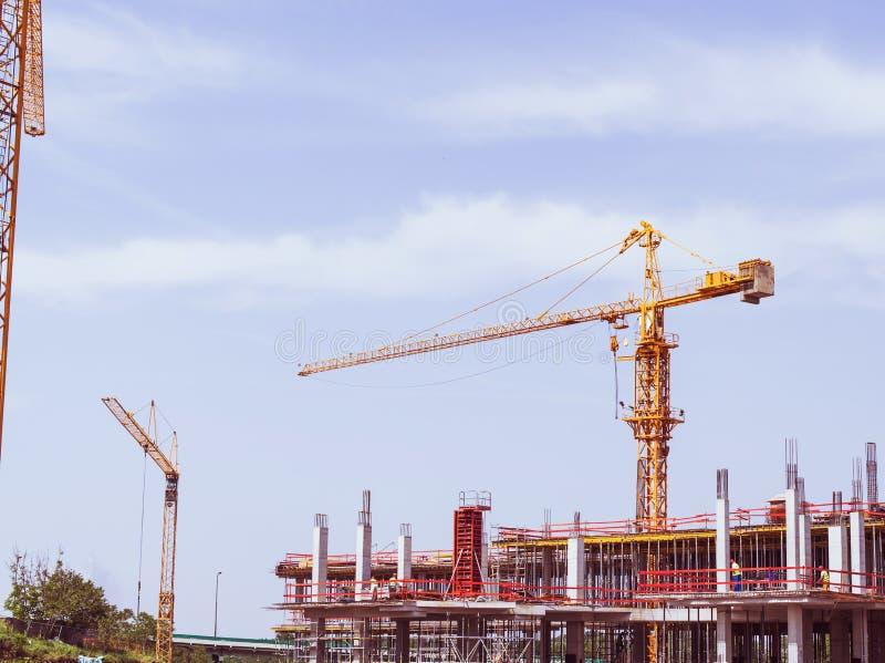 Budowa żuraw na budowie obrazy stock
