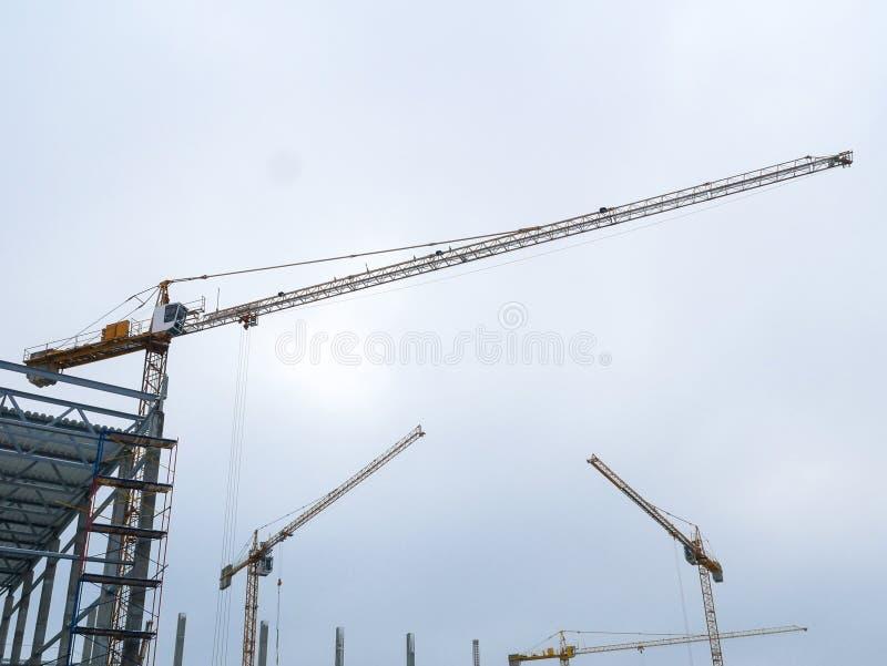 Budowa żurawia działania wierza budować zdjęcie stock