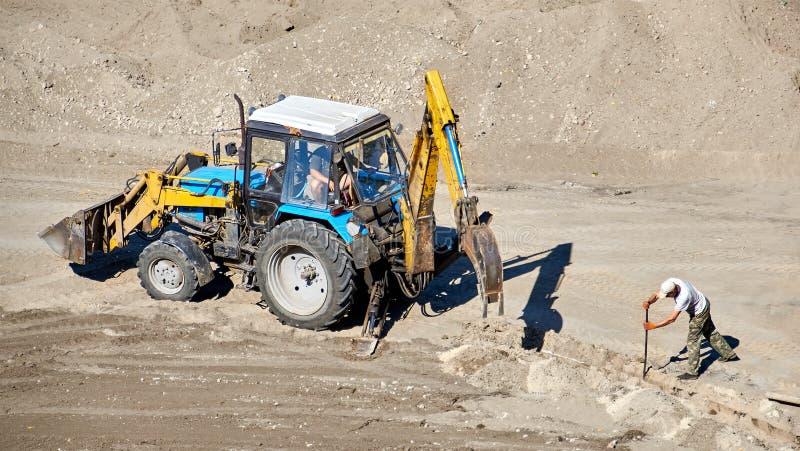 Budowa ciągnik w akci fotografia royalty free