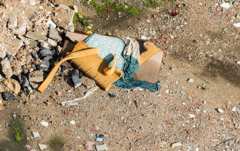 Budowa jałowi gruzy, śmieciarskie cegły i materiał od demonstraci, fotografia stock