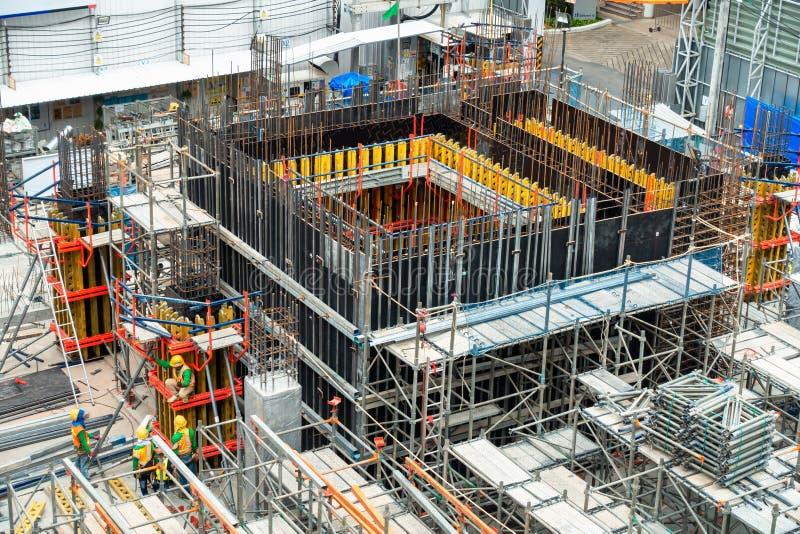 Budowa na procesie Pod Budujący, Real Estate rozwój, Biznesowy przemysł , zarządzanie projektem i Cywilny obrazy stock