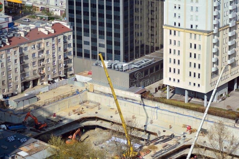 Budowa nowego budynku mieszkaniowego Unikalny wierza obrazy stock