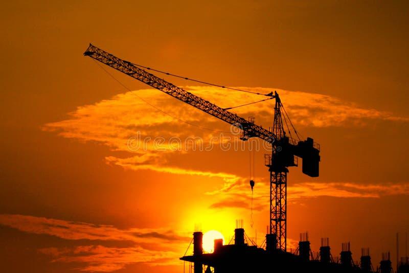 Budowa przemysłowi żurawie zdjęcie royalty free