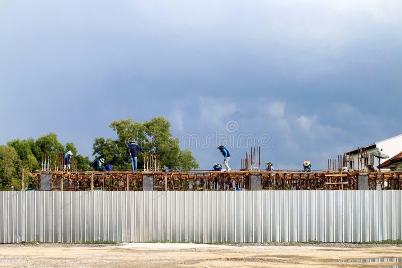 Budowa teren, ludzie pracuje przy budowa terenem, miejsce pracowników budowa, kamieniarza pracownika miejsce fotografia stock