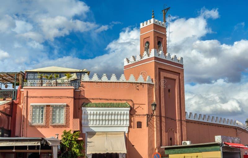 Budujący na Jamaa el Fna kwadracie w Marrakesh, Maroko zdjęcia stock