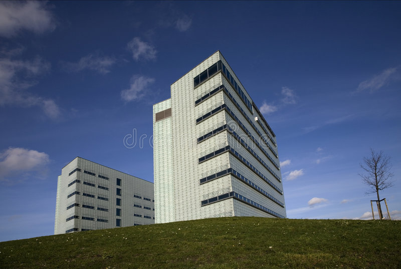 buduje 5 nowoczesnego urzędu zdjęcie stock