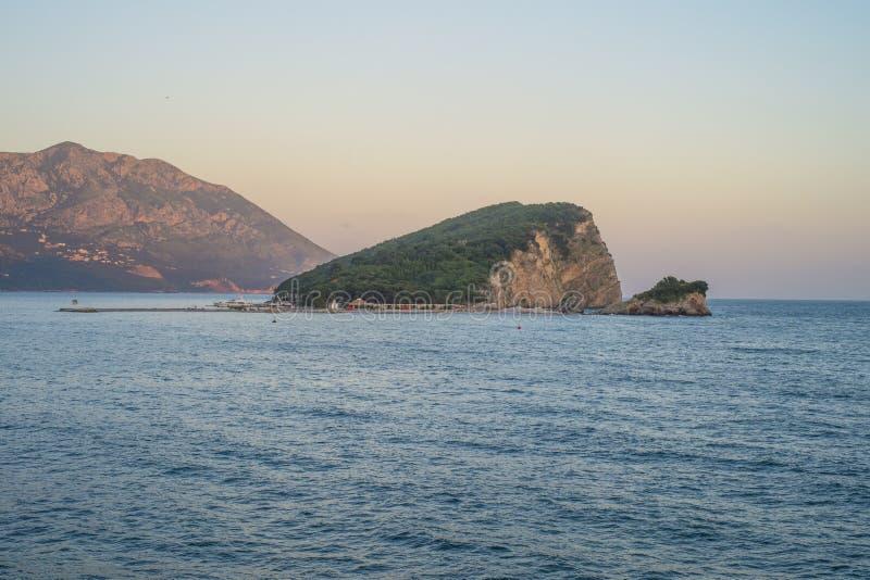 Budva Warmes Meer Sant-Nicolosinsel lizenzfreie stockfotos