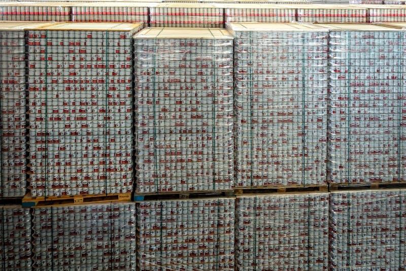 Budvar Budweiser bryggeri Lager med färdigt - produkter royaltyfri bild