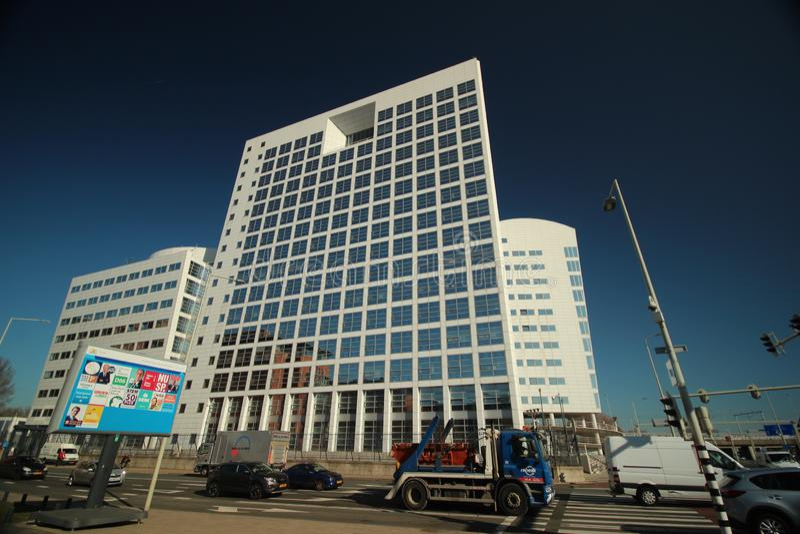 Budynek biurowy z przezwiskiem kawowa maszyna która był poprzednim zawody międzynarodowi sądu budynkiem w Haga dla SDU wydawców obrazy stock