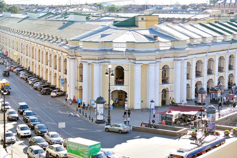 Download Budynek Gostiny Dvor Na Nevsky Perspektywie - Panorama Od Wzrosta Fotografia Editorial - Obraz złożonej z landmark, sławny: 57664262