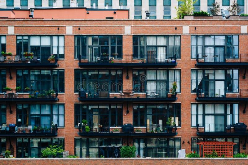 Budynek mieszkalny w Rzecznej północy, Chicago, Illinois obrazy stock