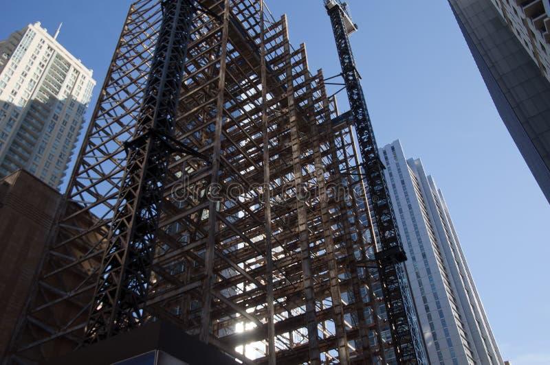Budynek obdzierający z powrotem stropnicy dla odnowienia fotografia stock