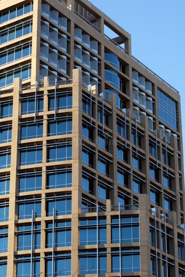 budynek w centrum nowoczesnego urzędu zdjęcie royalty free