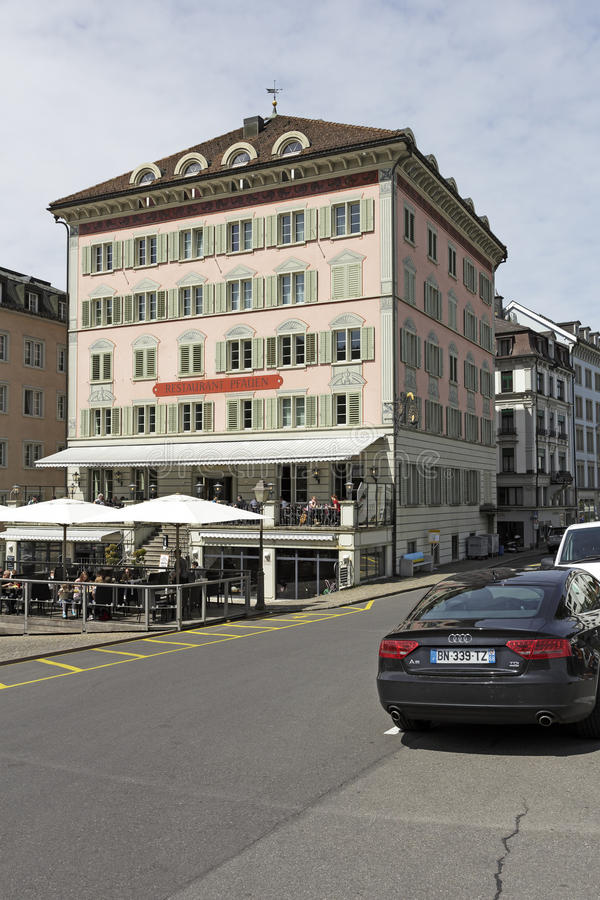 Budynek z ozdobną fasadą w Einsiedeln zdjęcia stock