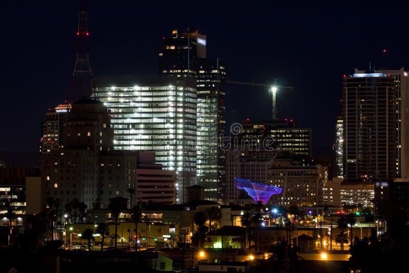 budynków w centrum noc biura feniks obrazy royalty free