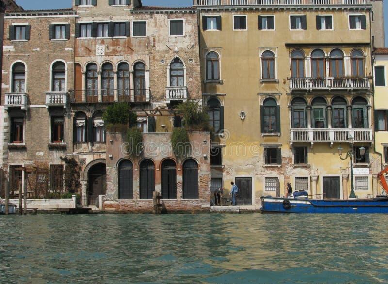Budynki na Wenecja drodze wodnej w Włochy obrazy stock