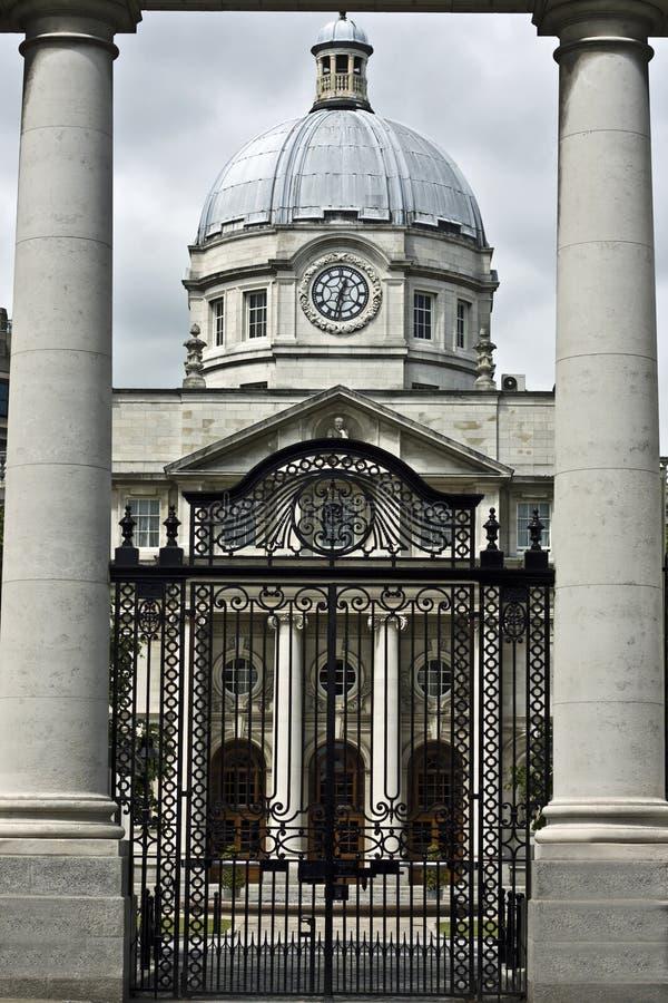 Download Budynki rządowi obraz stock. Obraz złożonej z dublin - 14983611