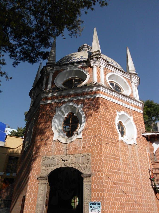 Budynki w Mexico miasteczkach, stary well fotografia royalty free