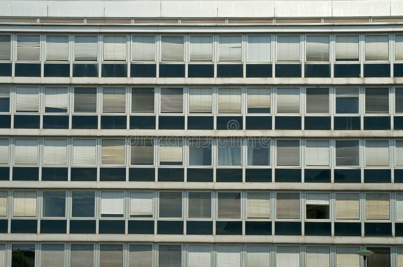 Download Budynku biura okno obraz stock. Obraz złożonej z city - 13341729