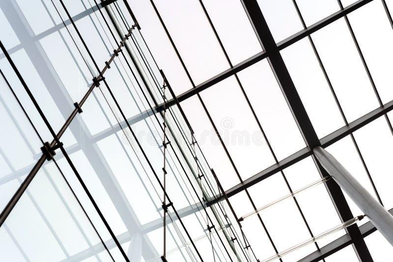 Budynku dekarstwa szkło i dumni kroki obrazy stock
