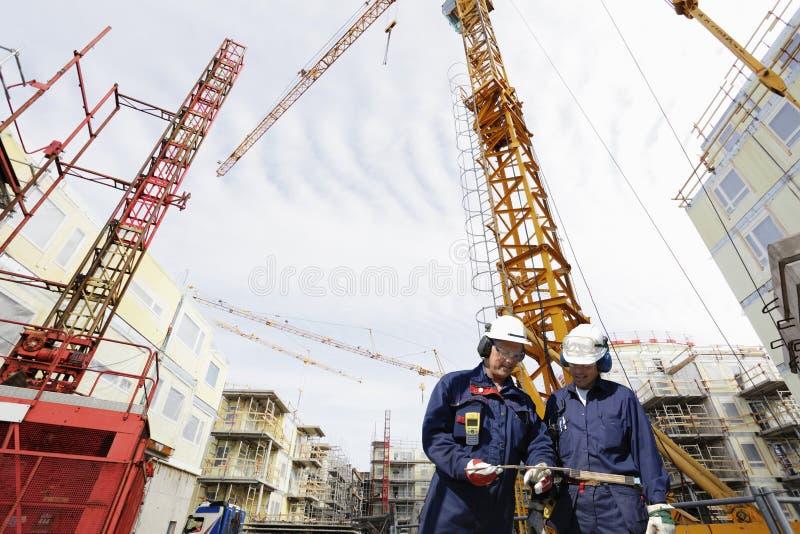 budynku przemysł budowlany pracownicy obrazy stock
