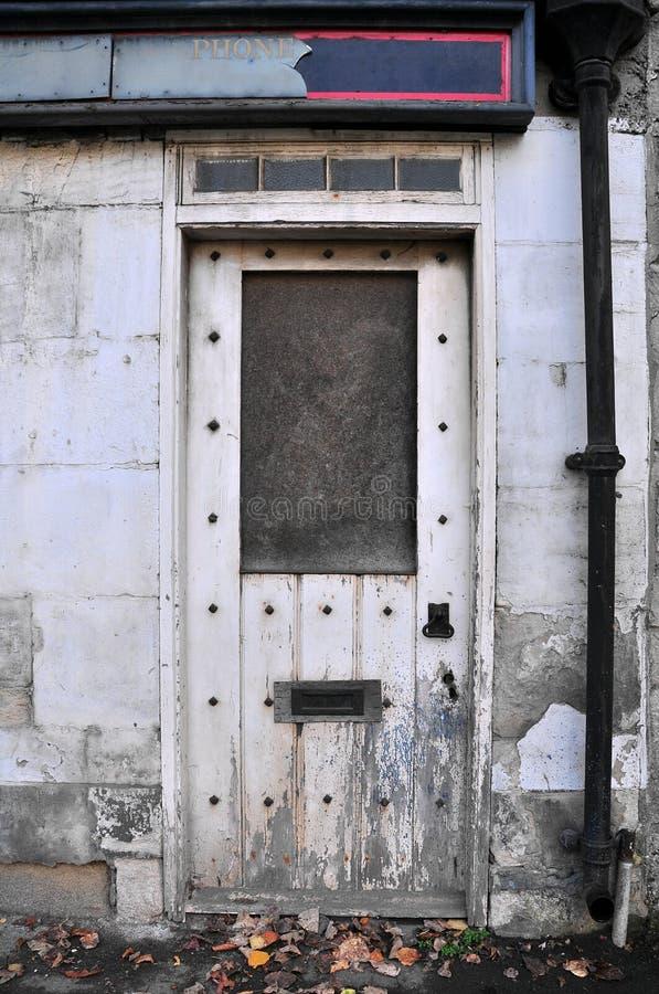 budynku wykolejeniec obrazy stock