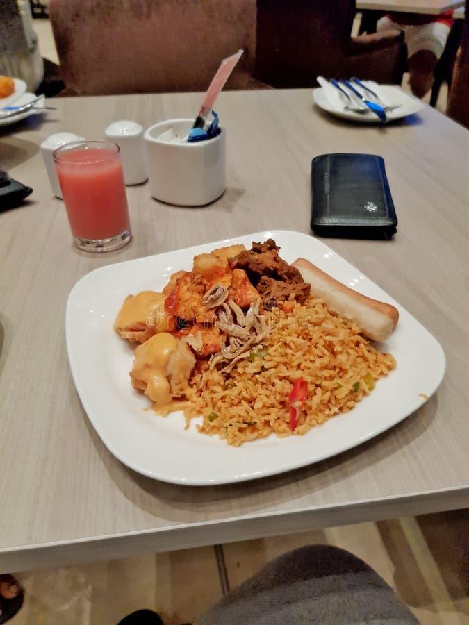 Buena comida en hotel imagen de archivo