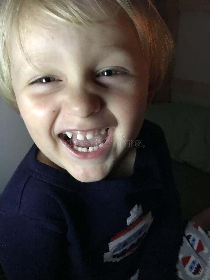 Buenas noches muchacho dulce foto de archivo libre de regalías