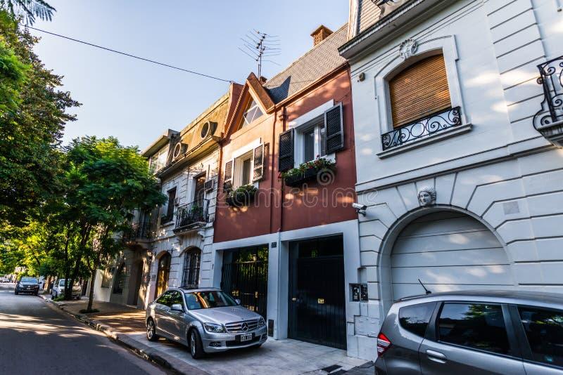 BUENOS AIRES, ARGENTINIË - Maart 17, 2016: Klassieke huizen in Palermo Chico stock fotografie