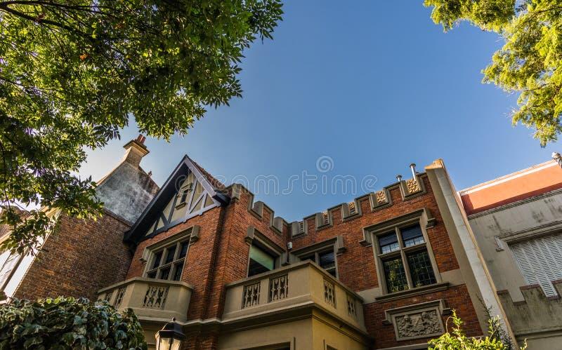 BUENOS AIRES, ARGENTINIË - Maart 17, 2016: Klassieke huizen in Palermo Chico royalty-vrije stock afbeelding