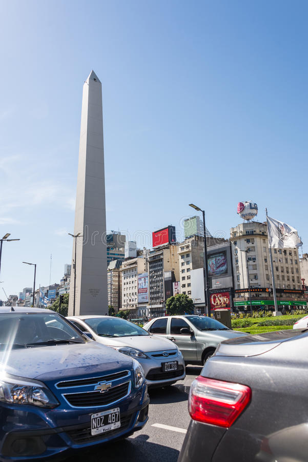 Buenos Aires Argentyna, Kwiecień, - 9, 2015: Ruchu drogowego dżem 9 De Julio zdjęcie stock