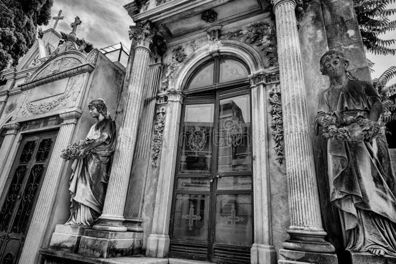 BUENOS AIRES JANUARI 30, 2016 - LaRecoleta kyrkogård som lokaliseras i den Recoleta grannskapen royaltyfria bilder