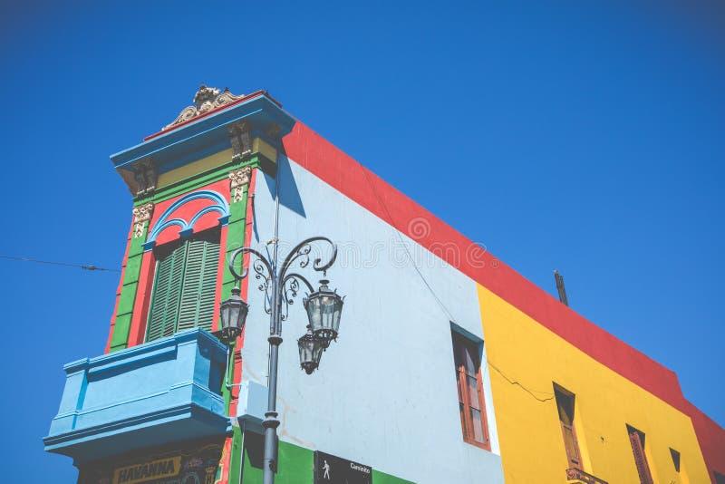 BUENOS AIRES - 31 JANVIER 2018 : Secteur coloré dans le neighb de Boca de La images stock