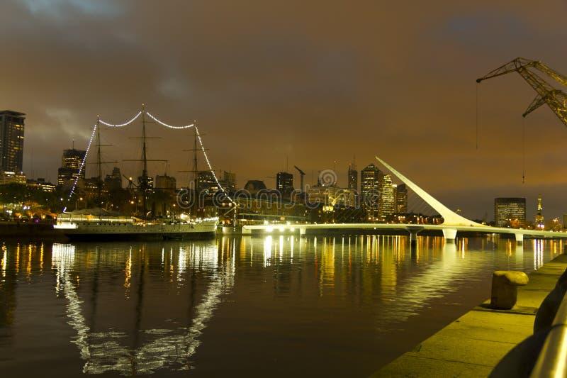 Buenos Aires vid natt royaltyfri foto