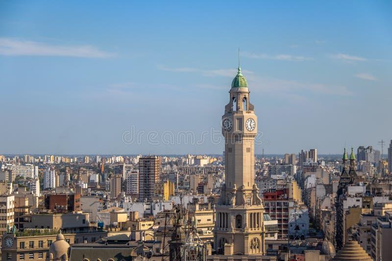 Buenos- Airesstadt-Gesetzgebungs-Turm und im Stadtzentrum gelegene Vogelperspektive - Buenos Aires, Argentinien lizenzfreie stockfotos